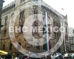 Pendones tricolores Palacio Postal